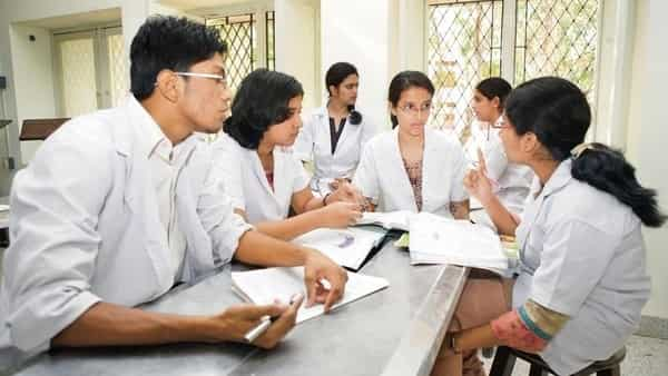 Govt is considering the ranking of medical colleges on the basis of choices of students during counselling. (Mint)