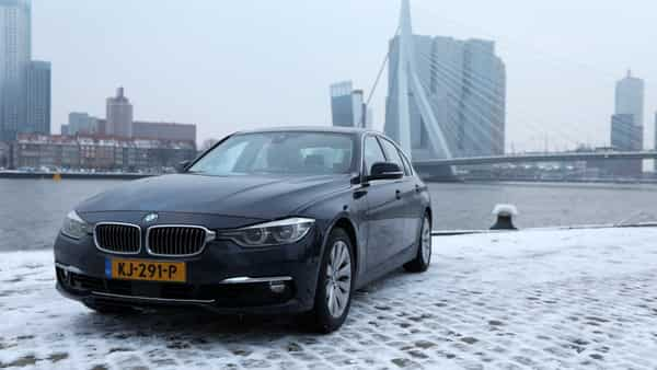 How a bmw app is reducing pollution in rotterdam for Jet cars rotterdam opgelicht