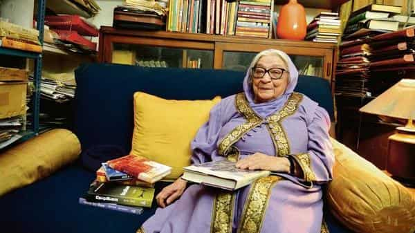 Krishna Sobti at her Delhi residence in 2016; and Sobti demonstrating the right heel height for getting about in a 'gharara'. Priyanka Parashar/Mint