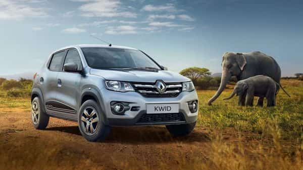 Mechanically and cosmetically, the Kwid remains unchanged. It is powered by the same 54hp, 0.8-litre and 68hp, 1.0-litre petrol engine options found in the outgoing models. (Renault)