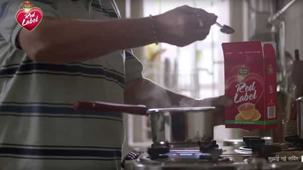 HUL's Red Label highlights vegetarian and non-vegetarian divide in new ad
