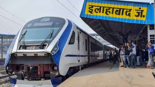 The tickets in Train 18 will be priced higher than the fares of the premium trains (PTI)