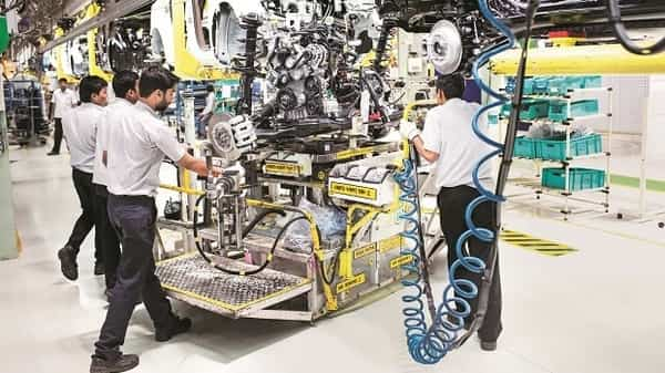 Fiat India has informed Maruti Suzuki that it will not be able to produce and supply 1.3-litre diesel engines after 31 March 2020 when the BS-VI emission norms are enforced. (Bloomberg)