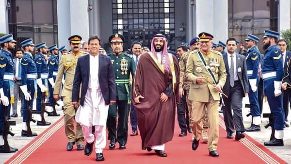 Saudi Arabia Crown Prince Mohammed bin Salman, Pakistan's Prime Minister Imran Khan (left) and Pakistan Army chief general Qamar Javed Bajwa (right) in Islamabad.  (AFP )