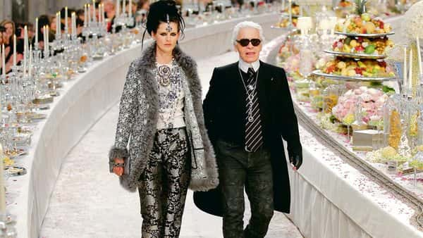 Karl Lagerfeld with model Stella Tennant at the Paris-Bombay Métiers d'Art 2011/12 show in Paris. Photo: Reuters