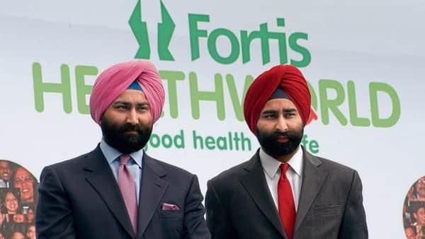 Former Fortis promoters Malvinder Singh (left) and Shivender Singh.ht