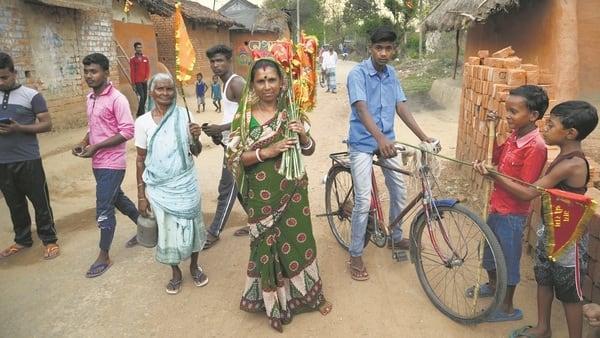 Saffron Salaam in Mamata Banerjee's West Bengal