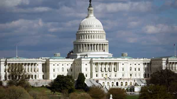 Groovy White House Is Said To Ask Economist Paul Winfree About Home Interior And Landscaping Ymoonbapapsignezvosmurscom