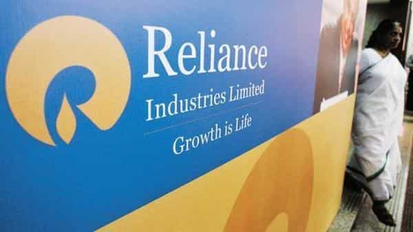Reliance to shut crude unit at 660,000 bpd refinery for up