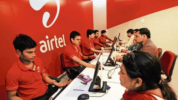 Airtel's new prepaid plan gives convenience to mobile customers with significant amount of data and a sizeable insurance protection at under  ₹9 per day.