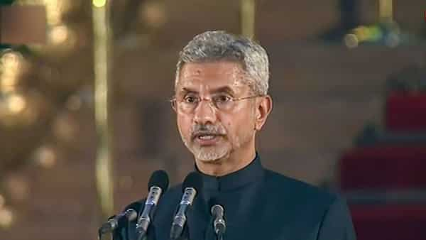 Former foreign secretary S Jaishankar takes oath as union minister during the swearing-in ceremony. Photo: PTI