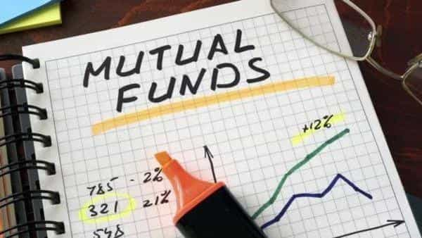Medium duration funds also saw outflows rising to  ₹2,063.18 cr from  ₹530.89 cr in April (iStock)