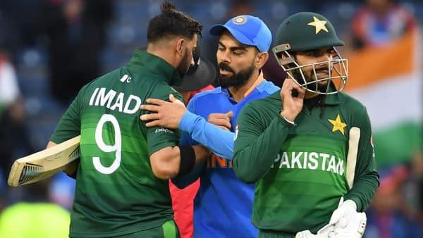 Virat Kohli wins hearts in Pakistan with sportsmanship in World Cup tie