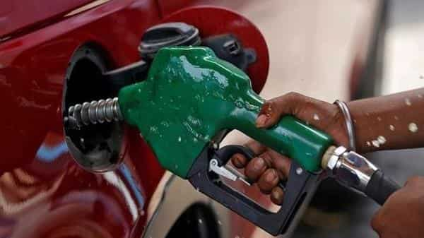 Petrol price down 1.69 paise, diesel ₹2.52 this month