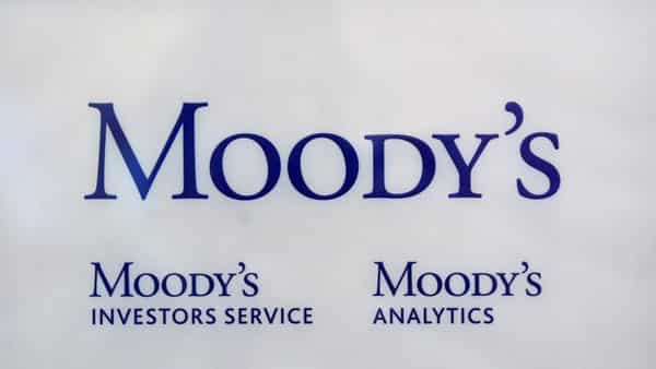 Oman faces funding squeeze as bank deposits lag, warns Moody's