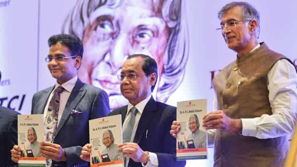 Chief Justice of India Ranjan Gogoi with ASSOCHAM President BK Goenka and Vice President Niranjan Hiranandani (R) releases a publication at the APJ Abdul Kalam Memorial Lecture, in New Delhi (Photo: PTI)