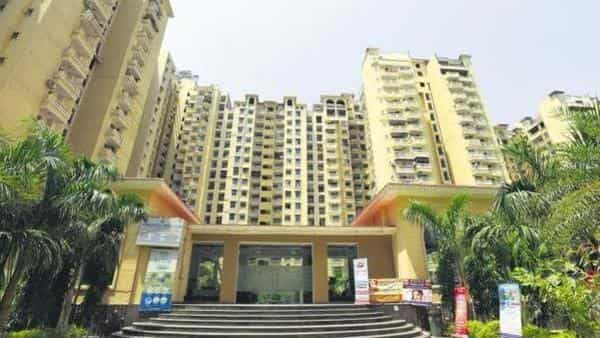The court added that Noida and Greater Noida colluded with the realty group in allowing diversion of the home buyers' money and not acting as per the law. (HT)