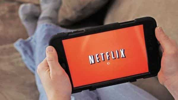 Netflix tries to woo Indian customers with cheaper mobile