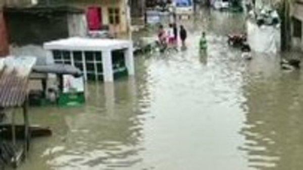 Top Life Insurance Companies >> Gujarat rains: Vadodara Airport closed, trains cancelled ...