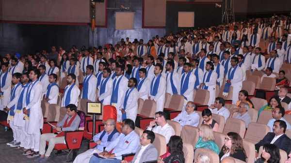 Top Life Insurance Companies >> IIT Bombay students ditch black robe, wear kurta pyjama at ...