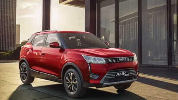 Ensure that you have the right vehicle to drive through a city like a tourist. (Mahindra XUV300)