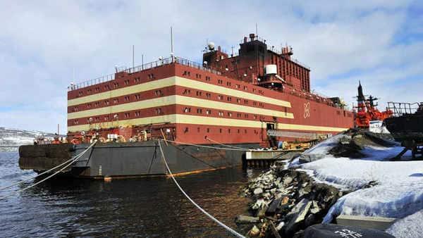 Loaded with nuclear fuel, the Akademik Lomonosov will start its journey today. Photo: Rosenergoatom