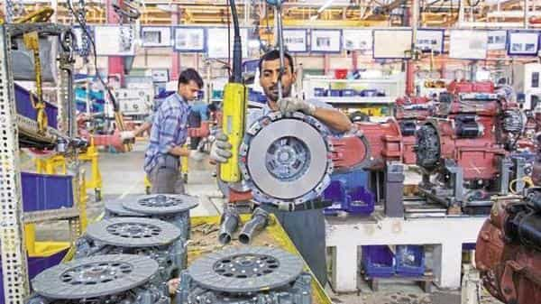 Earlier this month, the RBI pared its growth projection for 2019-20 to 6.9% from its June forecast of 7%, while reducing policy rates by 35 basis points (Mint file)