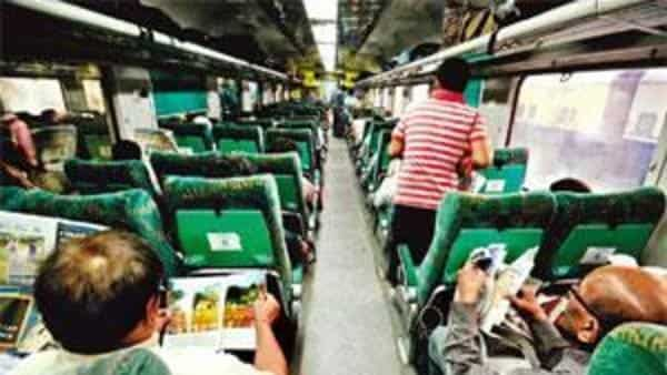 Railways to offer up to 25% discount in some Shatabdi, Tejas