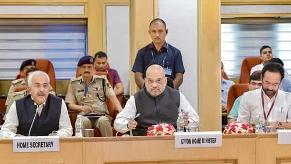 Centre has started preparing for administrative changes when the J&K Reorganization Act takes effect from 31 October. (Photo: PTI)