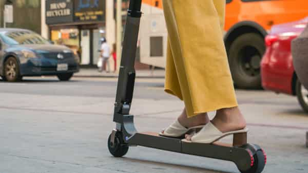 The latest prototype of electric scooter features a 10.5Ah lithium battery that can power the scooter for around 20km on a single charge.