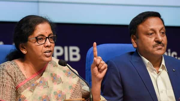 Finance Minister Nirmala Sitharaman with Finance secretary Rajeev Kumar during a press conference to announce merger of various public sector banks, in New Delhi (Photo: PTI) (PTI)