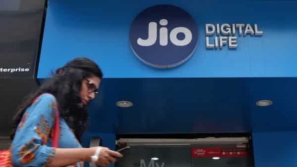 Reliance Jio Fiber broadband plans start from  ₹699.  (REUTERS)