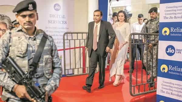 RIL chairman Mukesh Ambani and wife Nita Ambani at the conglomerate's annual general meeting in August. (Photo: Bloomberg)