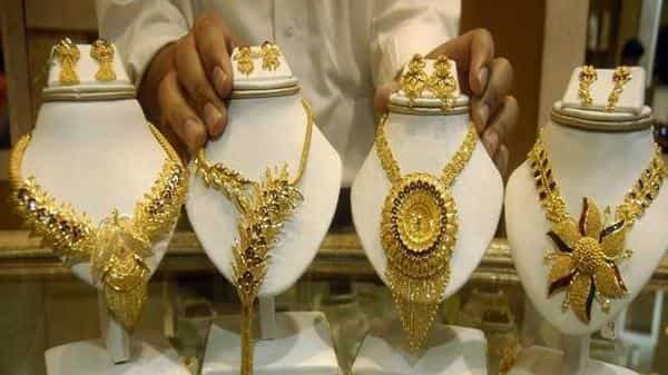 Gold Prices Extend Fall Today Down 2 200 From Highs