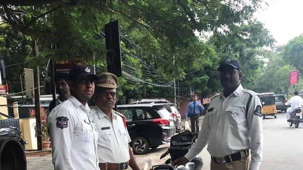 Hyderabad cops helping to get documents, helmets instead of challans