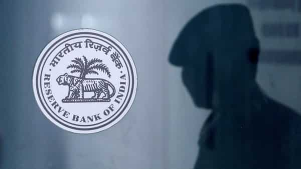 The logo of the Reserve Bank Of India (RBI) at the RBI headquarters in Mumbai.  (REUTERS)