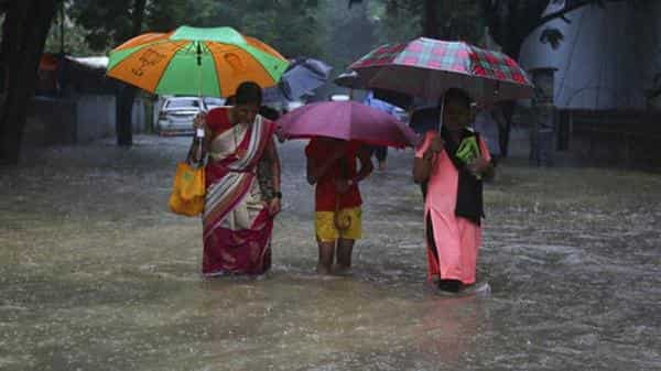 Mumbai gears up for another extreme rainfall event, IMD issues red warning
