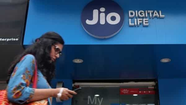 Reliance Jio has widest 4G network, Airtel's grows over 3 times: Trai
