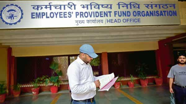 EPFO provides various services through the centralised mobile app of the government, called Umang. (Pradeep Gaur/Mint)