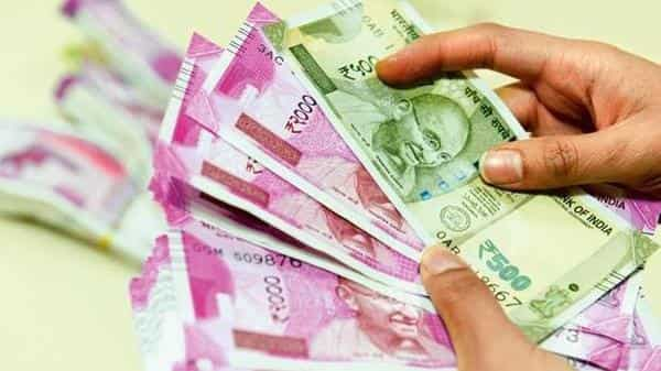 The Indian rupee had opened at 70.98 a dollar on Thursday. (Mint file)