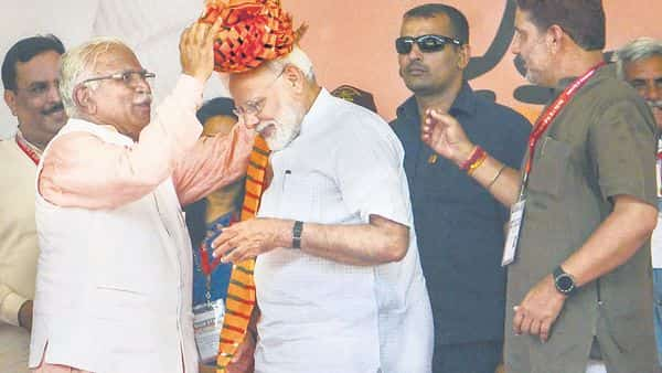 Prime Minister Narendra Modi with Haryana CM Manohar Lal Khattar in Rohtak. The BJP's vote share in the Haryana assembly polls had almost quadrupled from 9.1% in 2009 to 33.2% in 2014 (File photo: PTI)