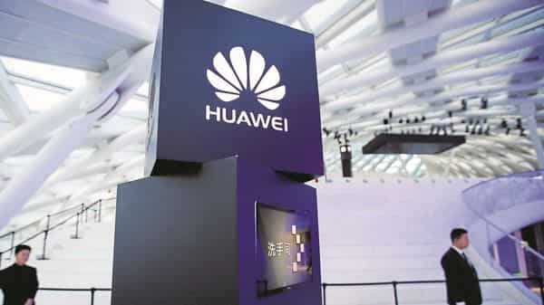 Huawei's growing dominance in 5G networking lies at the center of US-Chinese tensions (Photo: AP)