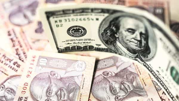 The reduced GDP forecast by Moody's and other institutions seems to be affecting the foreign investors also (Photo: Bloomberg)