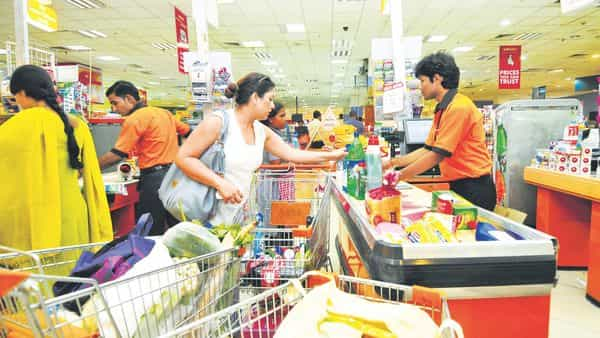 Supermarkets and online grocers serve just 5% of the overall $367 billion grocery market in India against the Kirana stores' market share of 95%, according to 2018 data from Euromonitor. Ramesh Pathania/Mint