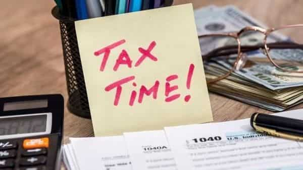 Income tax department data reveals that in the  ₹10-15 lakh salary bracket, there were more than 22 lakh taxpayers. (iStock)