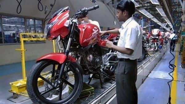Bajaj Auto net profit surges to ₹1,402 crore, shares rise