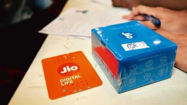 Jio had written to COAI earlier this week alleging the industry lobby is acting as 'a mouthpiece of two service providers'. (Mint)