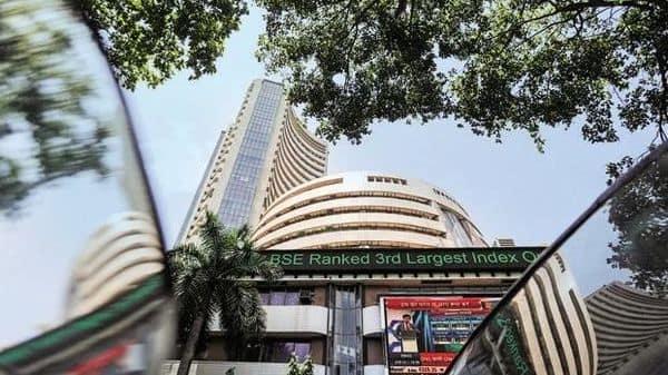 Sensex edges higher, Yes Bank shares fall ahead of Q2 earnings - Livemint thumbnail