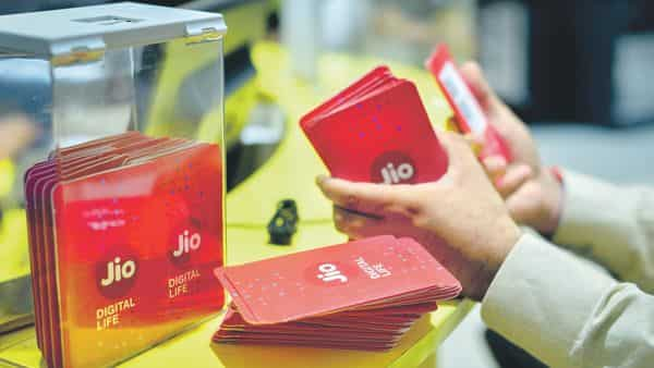 Any relief package to telcos will go against Supreme Court verdict, says Jio - Livemint thumbnail