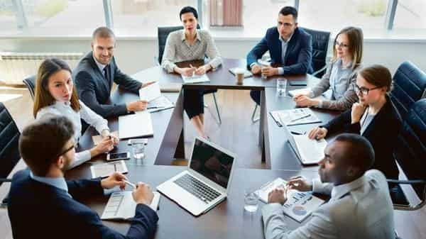 A prerequisite for building an honest firm is keeping stakeholders in the loop at all times. (Photo: iStock)